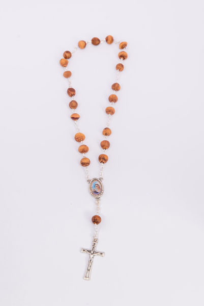 Picture of Thorn tree Queen of Peace rosary on chain and thread B